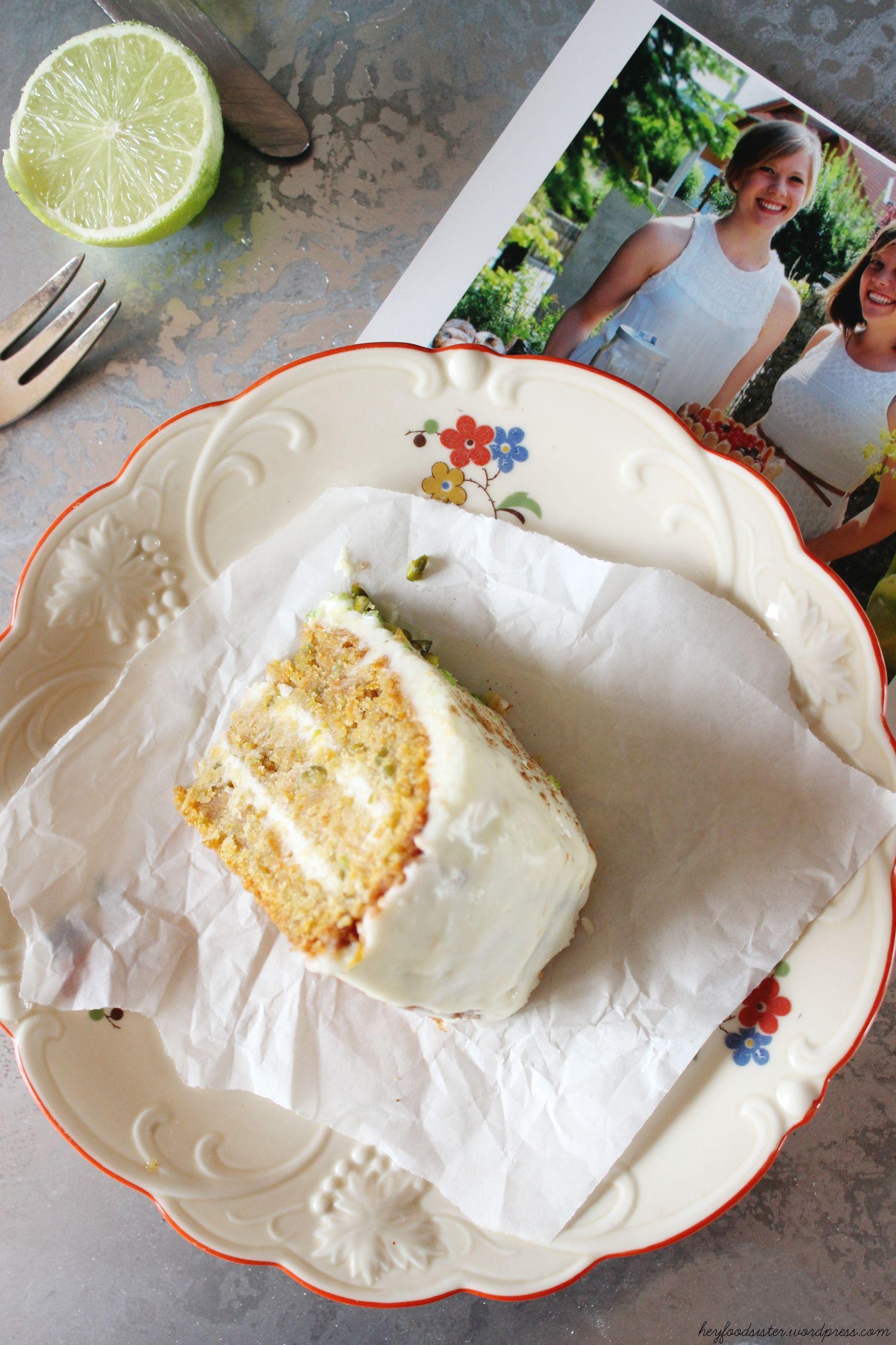 Rezept für ein Möhren Pistazien Törtchen mit Limette und Frischkäsefrosting Hey Foodsister