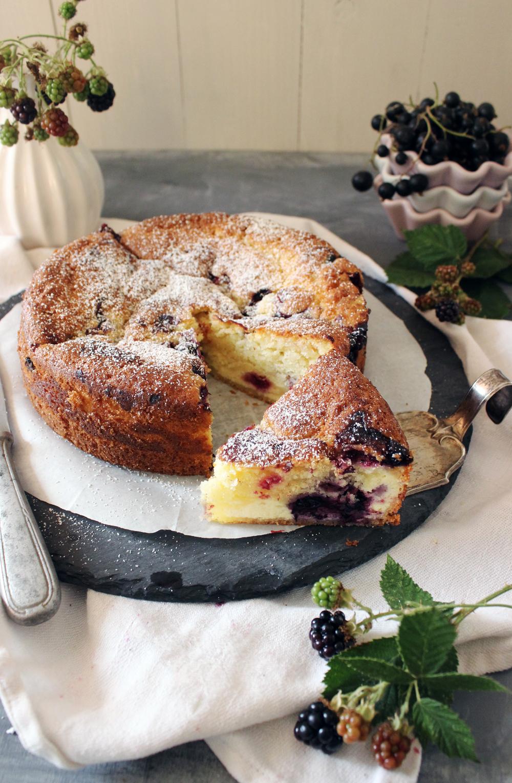 Rezept für einen Buttermilch Beeren Kuchen