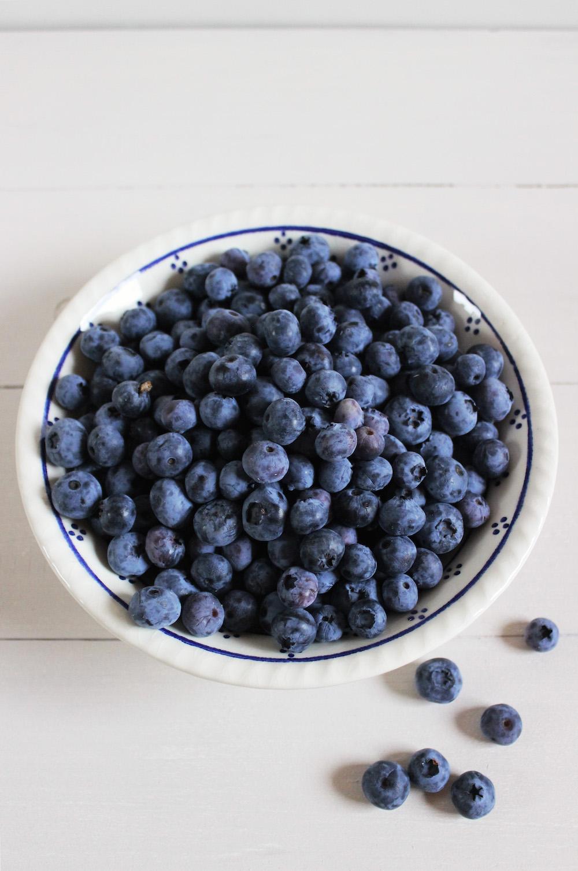 Rezept für einen Blaubeer Brombeer Crumble