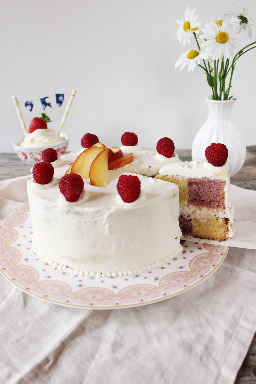 Rezept für eine Pfirsich Melba Torte im Battenberg Style