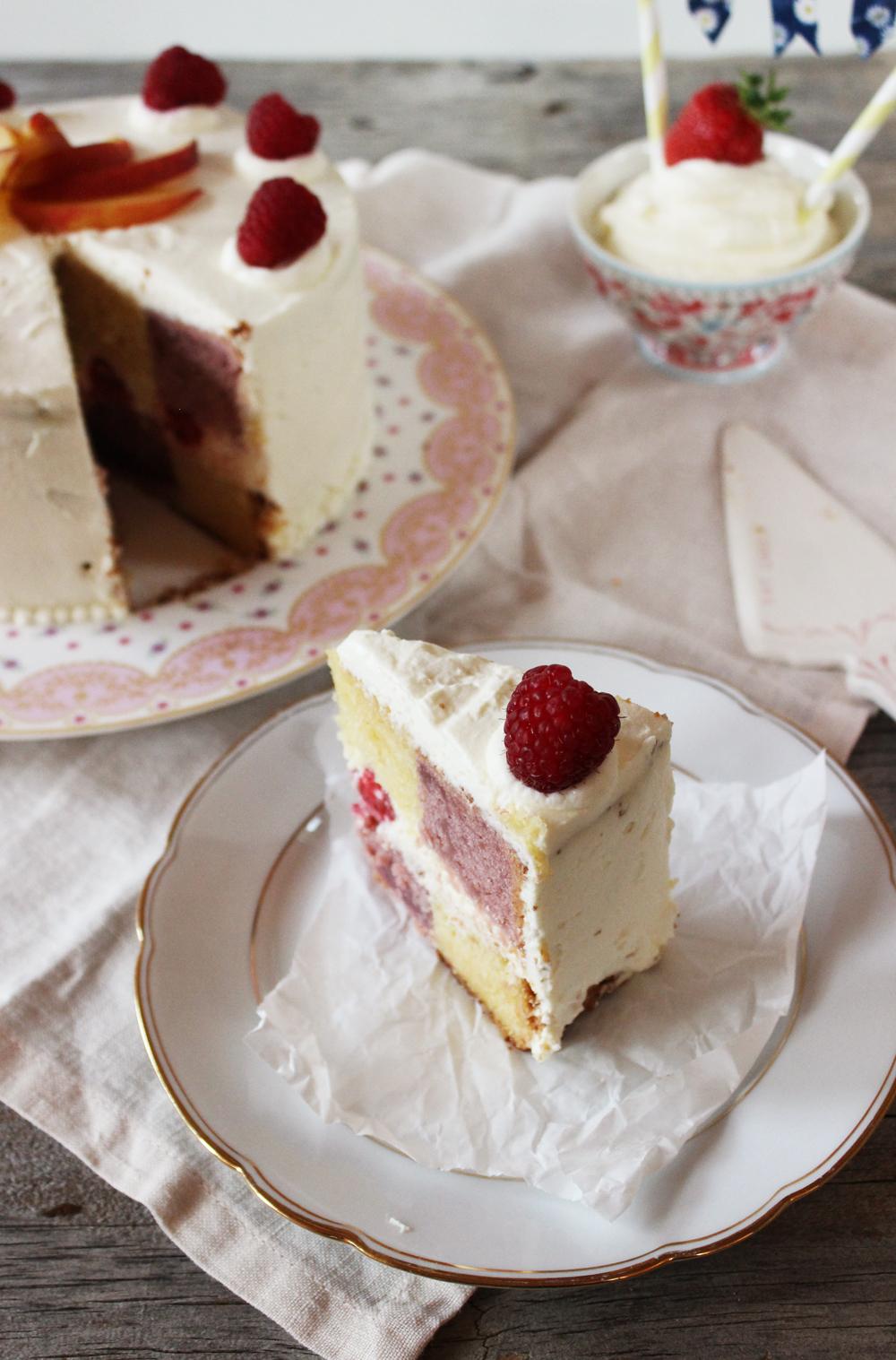 Rezept für einen Pfirsich Himbeer Battenberg Kuchen.jpg