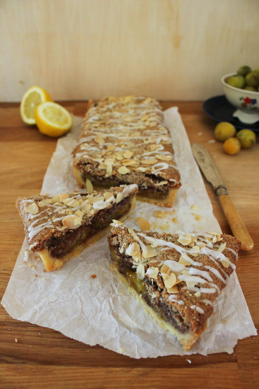 Rezept für eine Tarte mit Mandelguss und Mirabellen Backrezept