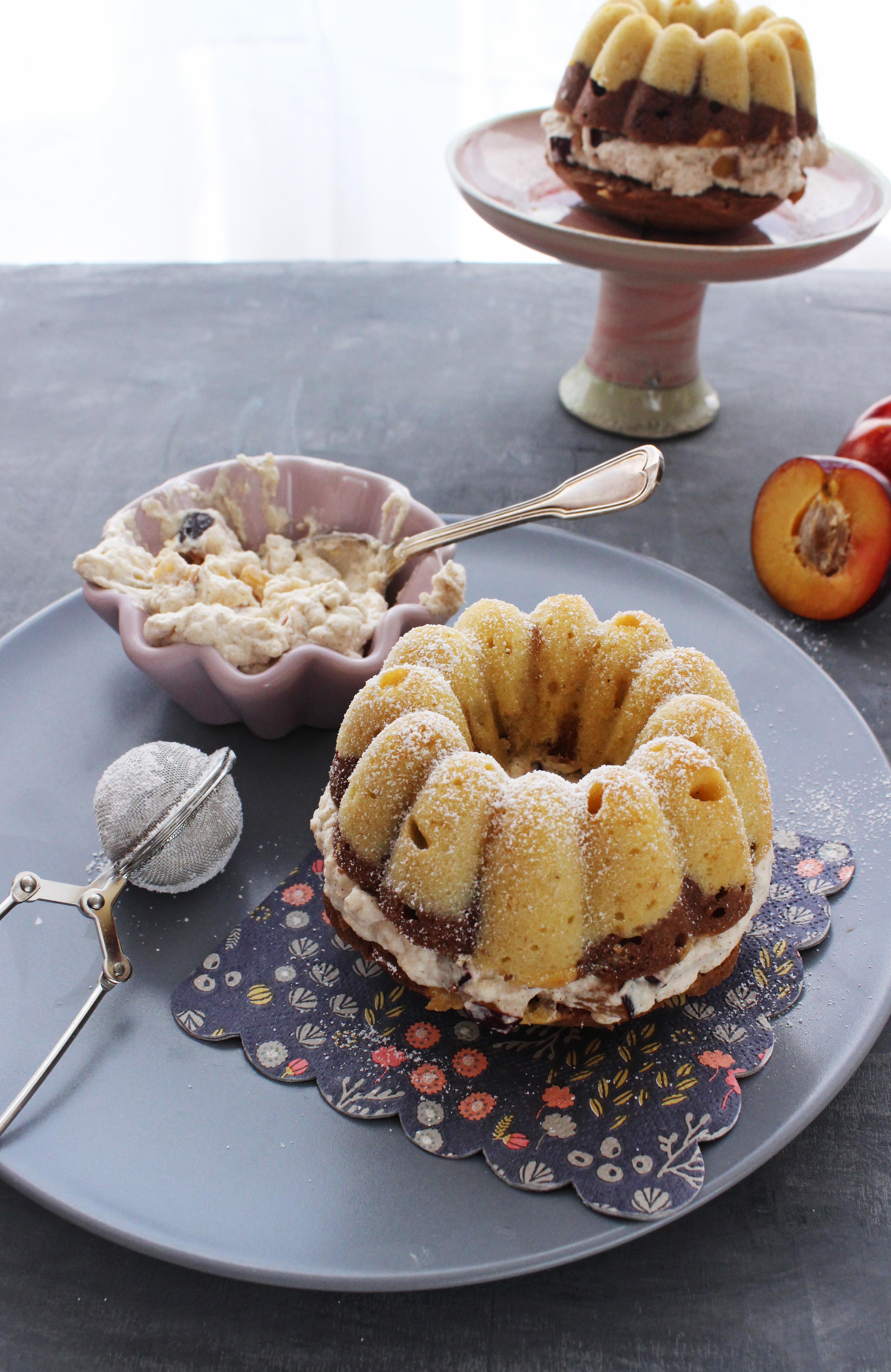 Rezept für Mini Marmorkuchen mit Baileys Pflaumen und Zimtsahne