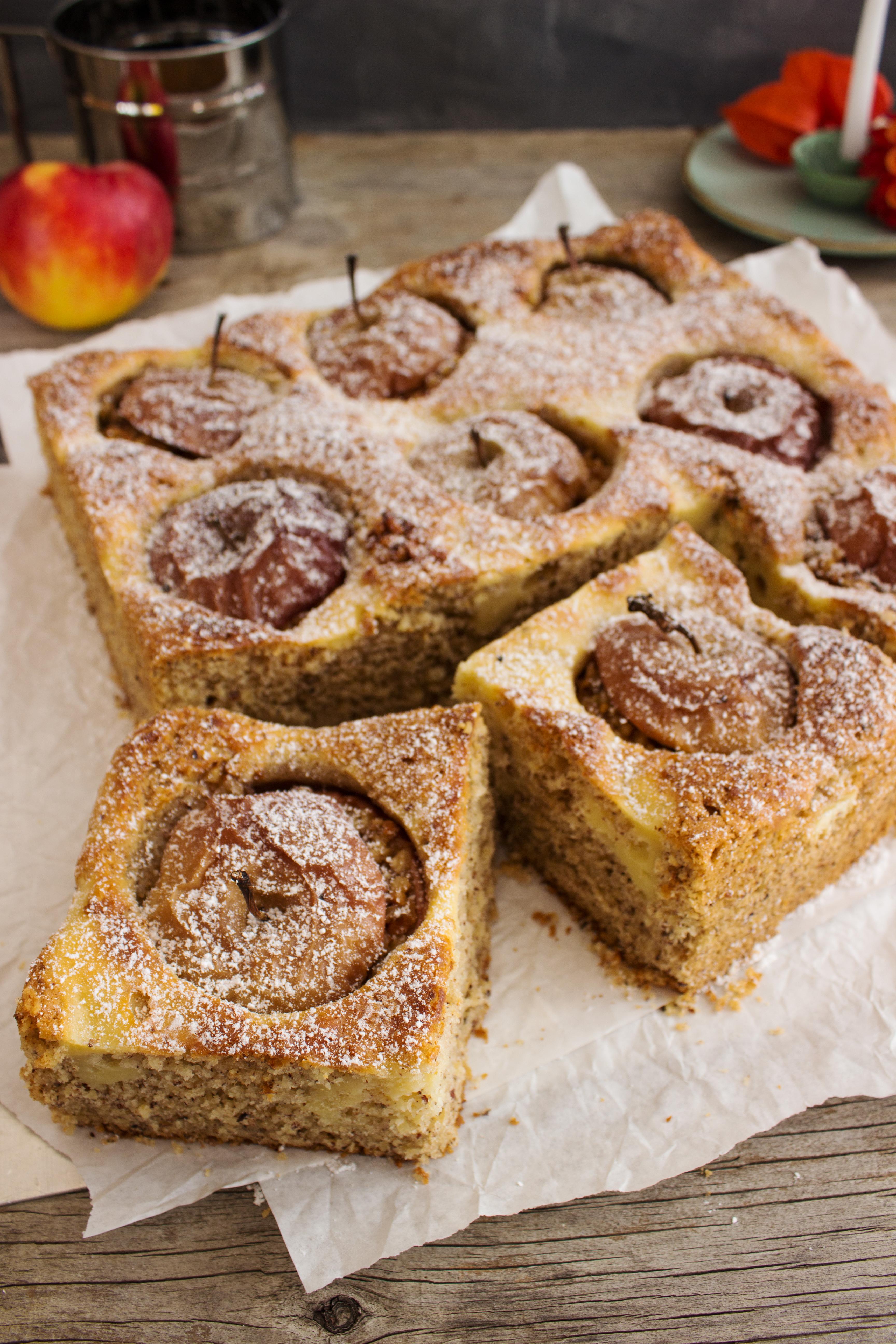 rezept-fur-einen-bratapfelkuchen-mit-cheesecakeswirl