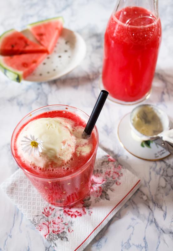 Rezept für Wassermelonensaft mit Vanilleeis Drink