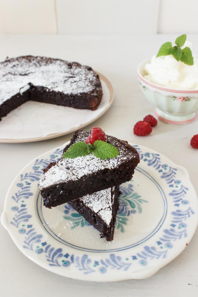 Rezept für einen schwedischen Schokoladenkuchen Kladdkaka