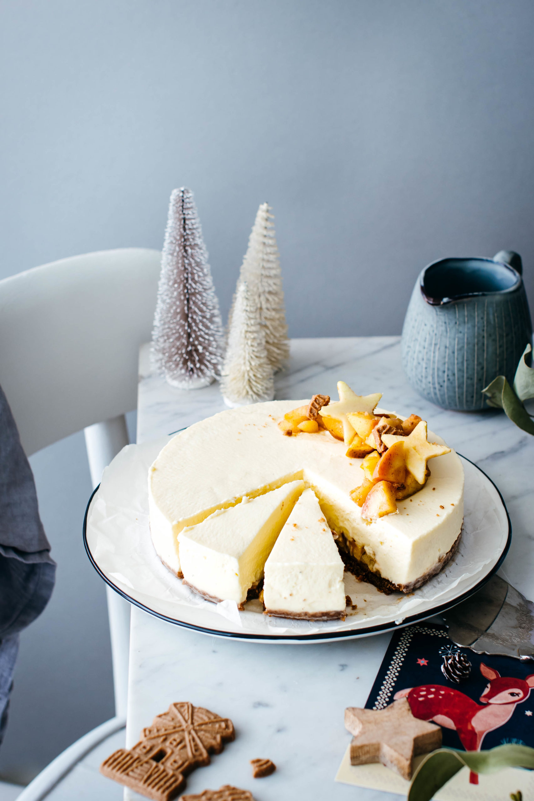 White Chocolate Cheesecake mit Bratapfelkompott
