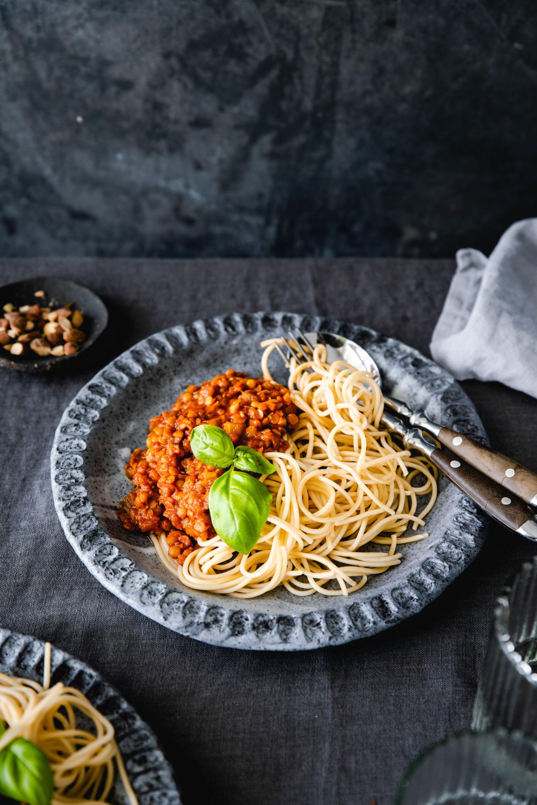 Vegane Linsenbolognese mit Sellerie